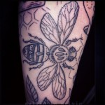 tumblr ng10wogILh1qhwrtuo1 400 150x150 - Bee Tattoos Design Ideas Pictures Gallery