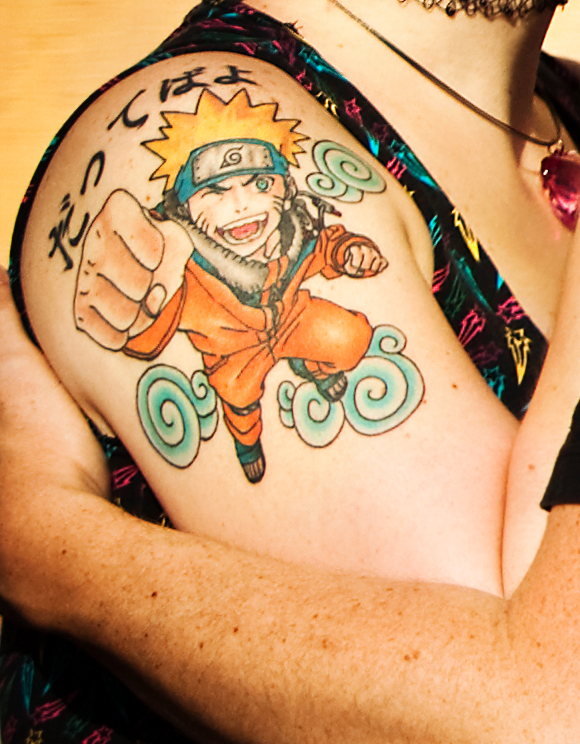 anime-animated-tattoo-on-right-shoulder